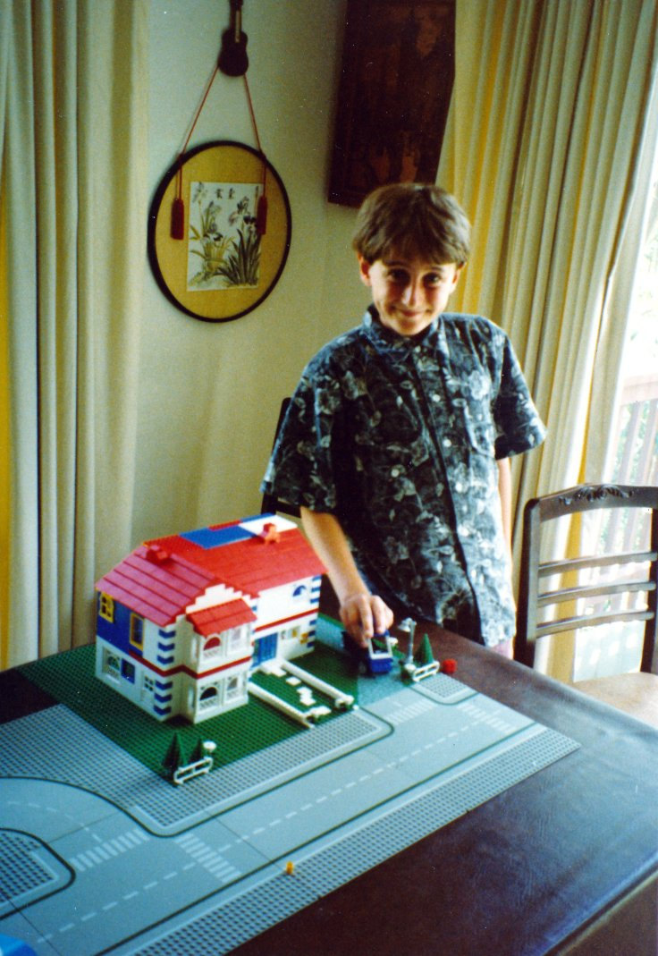 21. Hamish's house (with ackground light mode)(12.05 pm  Sun 27 Jan 1991).jpg